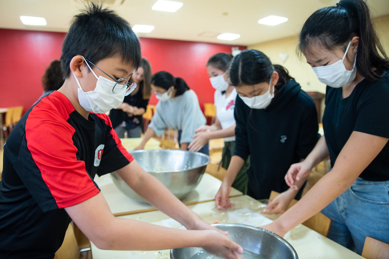 Middle School-Onigiri for the Chiku Center-ELP_4211-2018-19.jpg
