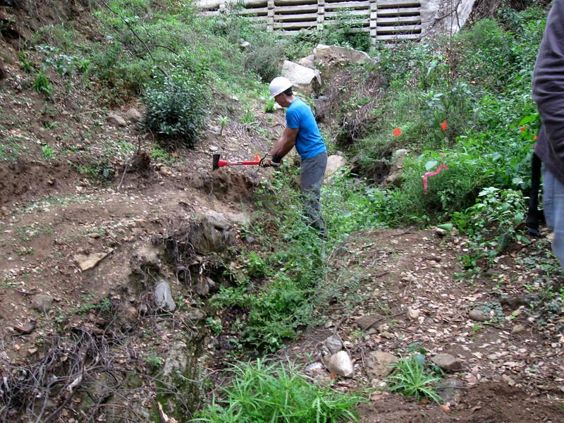 20101107005-El Prieto trailwork.JPG