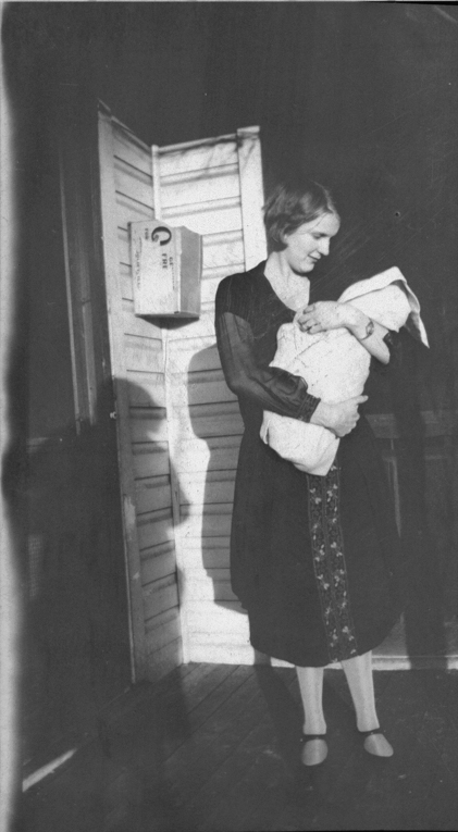 I believe this is Ada Glines with baby Helen ca 1925.