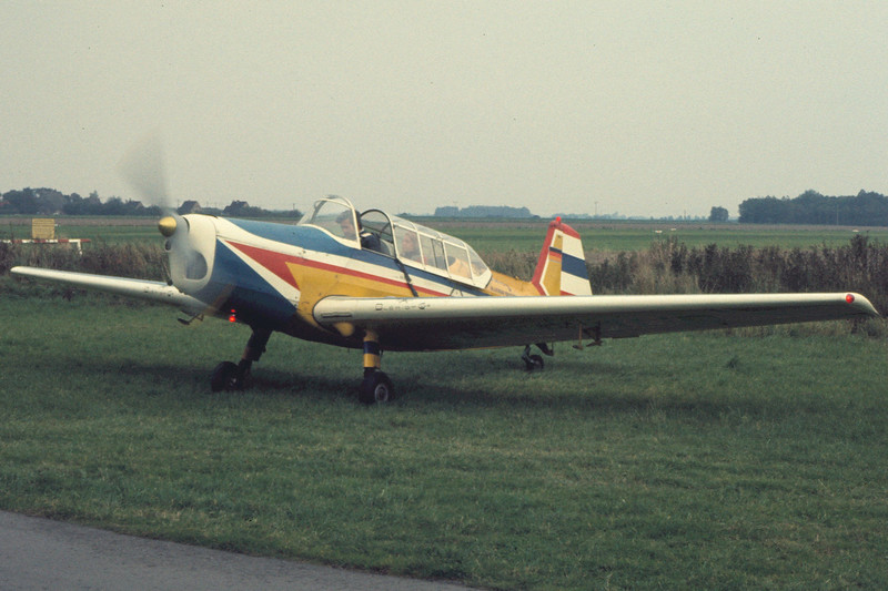 D-EMUD-ZlinZ-226TTrener6-Private-EDXB-1974-AL0028-KBVPCollection.JPG