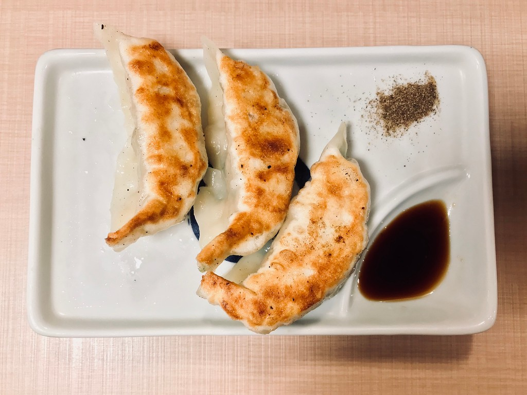 Yoroiya's pan-fried gyoza
