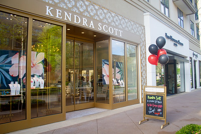 Kendra Scott Gives Back - April 2018
