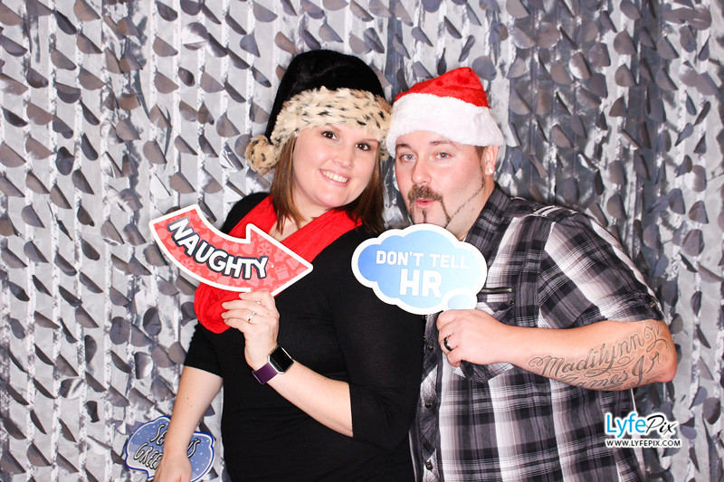 red-hawk-2017-holiday-party-beltsville-maryland-sheraton-photo-booth-0215.jpg