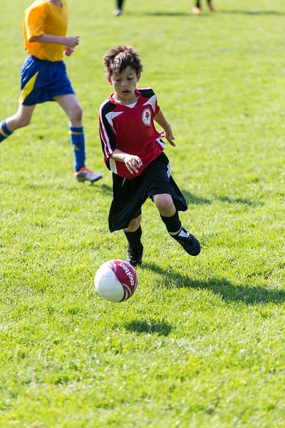 amherst_soccer_club_memorial_day_classic_2012-05-26-01033.jpg