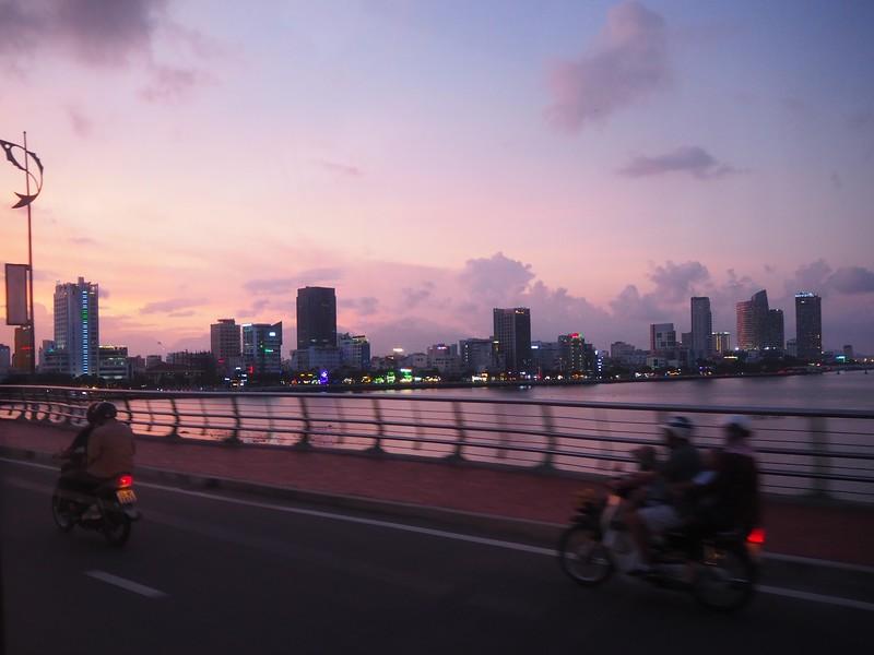 PA100194-sunset-on-the-bridge.jpg