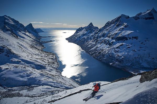 Arctic ski photo