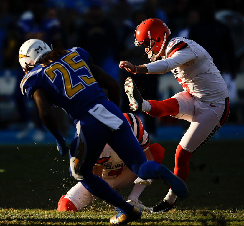 . Cleveland Browns kicker Zane Gonzalez kicks a field goal against the Los Angeles Chargers during the second half of an NFL football game Sunday, Dec. 3, 2017, in Carson, Calif. (AP Photo/Jae C. Hong)