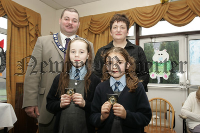 Cloughreagh House Primary Schools Art Competition. Deputy Mayor Martin Connolly and  Ms Nuala Gorman, Newry and Mourne Trust pictured with Marie Sweeney and Sinead Loughran from St peter's Cloughreagh. 06W52N9