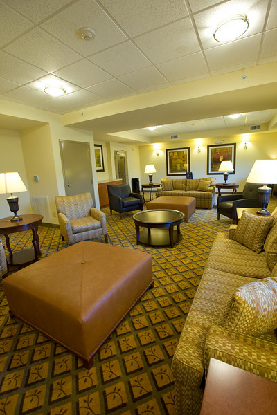 CANDLEWOOD SUITES FORT MYERS Living Room024.jpg