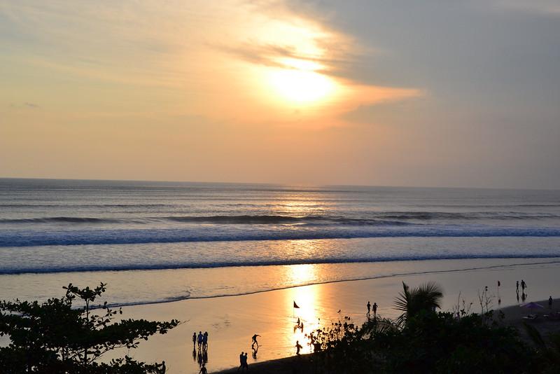 bali-sunset-39551170@NO2.jpg