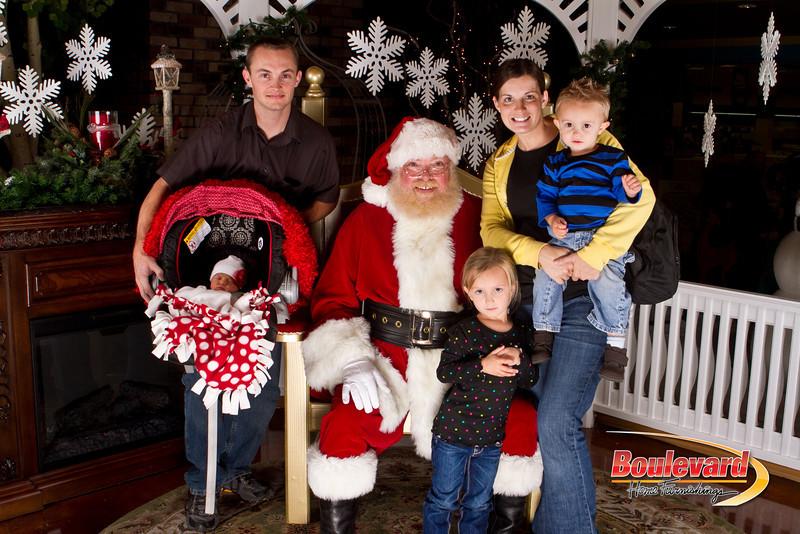 Santa Dec 15-251.jpg