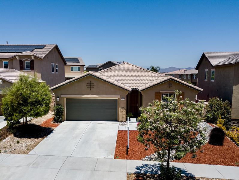31654 Desert Holly Place-003.jpg