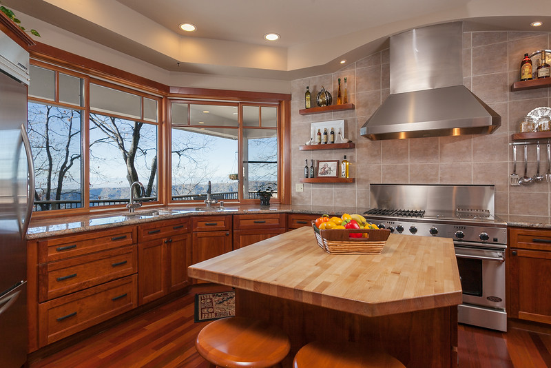 Chico-Interiors-Photography-Kitchen-with-a-view-in-Magailia.jpg