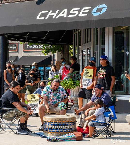 2021 08 16 Line 3 Protest Governor Mansion Chase Bank-27.jpg