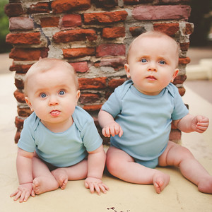 Twins - 9 months - photoshoot