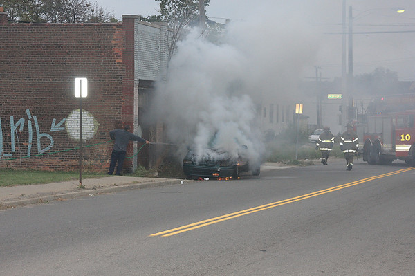 Mack Ave Car fire