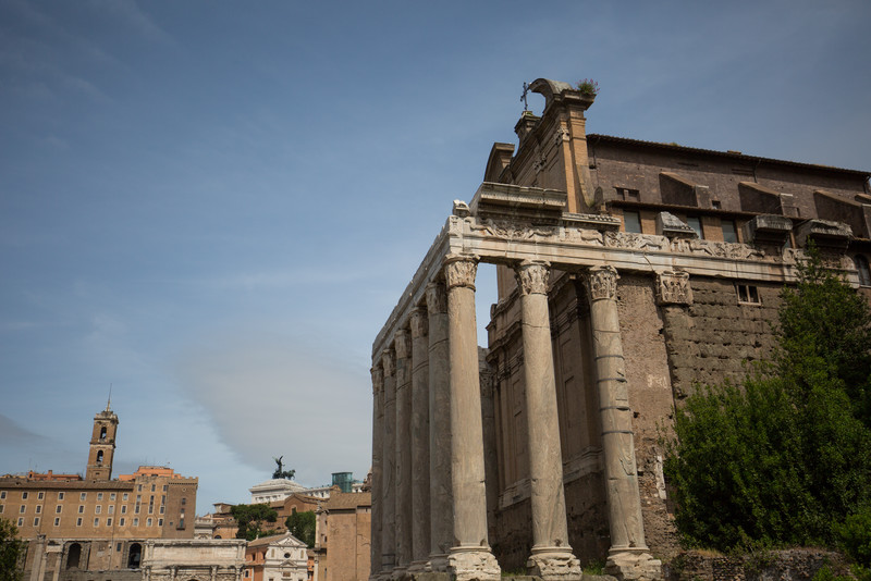 Temple of Antoninus and Faustina (c. 141 AD).