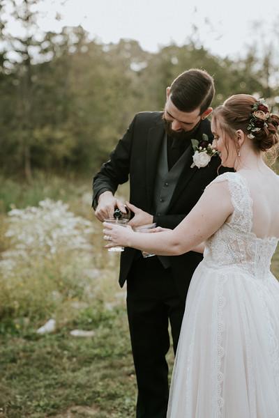 rustic_ohio__fall_barn_wedding-322.jpg
