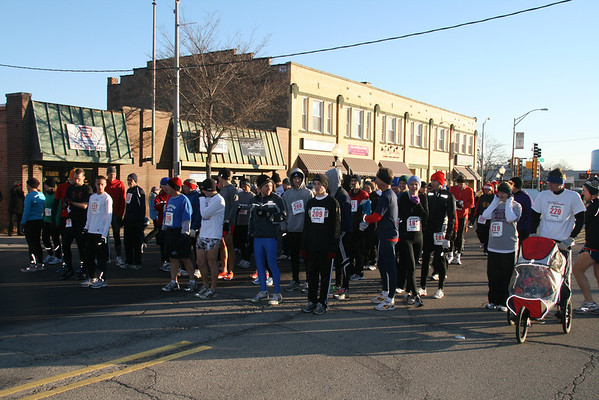 Holly Days 5K race pics