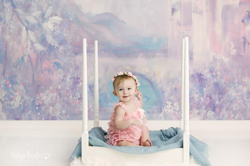 Tonya-Hurter-Photography-Copyright-2019-Newborn-Raleigh370A1324-Edit_.jpg