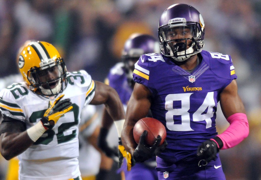 . Vikings wide receiver Cordarrelle Patterson set a record to open Sunday night\'s game by returning a kickoff 109 yards for a touchdown. (Pioneer Press: John Autey)