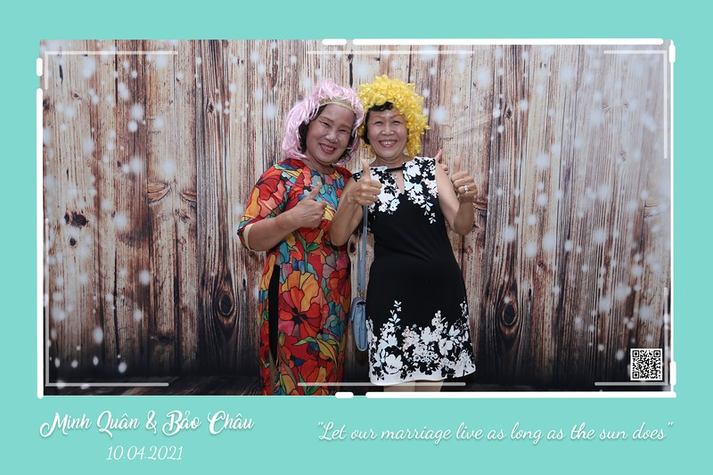 QC-wedding-instant-print-photobooth-Chup-hinh-lay-lien-in-anh-lay-ngay-Tiec-cuoi-WefieBox-Photobooth-Vietnam-cho-thue-photo-booth-069.jpg