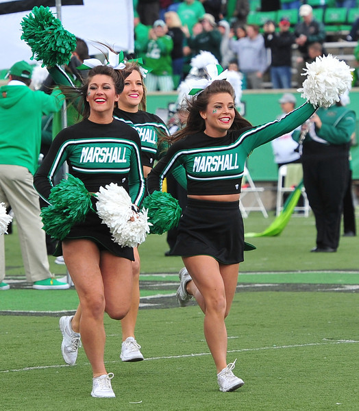 cheerleaders5367.jpg