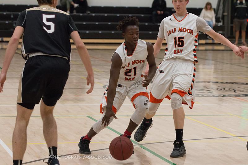 Varsity Boys 2017-8 (WM) Basketball-6215.jpg