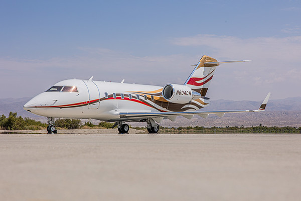 Challenger 604 N604CW (High Res)