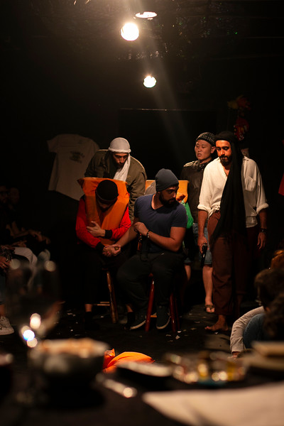 Allan Bravos - Fotografia de Teatro - Indac - Migraaaantes-140.jpg