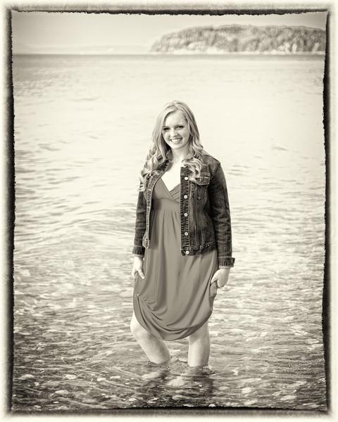 Kendra_Amy_Senior_Portraits_20110921_0638-Edit.jpg
