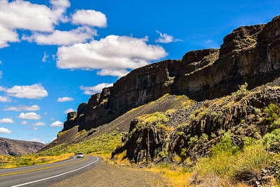 Highway to Grand Coulee, Washington