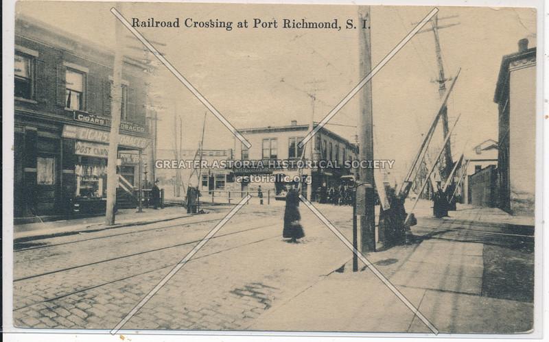 Richmond Avenue railroad crossing, Port Richmond