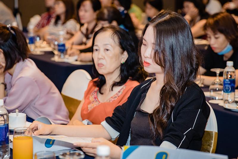 Boehringer-Ingelheim-Vietnam-Chup-hinh-su-kine-chup-hinh-hoi-thao-chup-hinh-phong-su-event-roving-photography-Photobooth-Vietnam-029.jpg