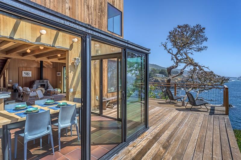 Dining Room & Deck