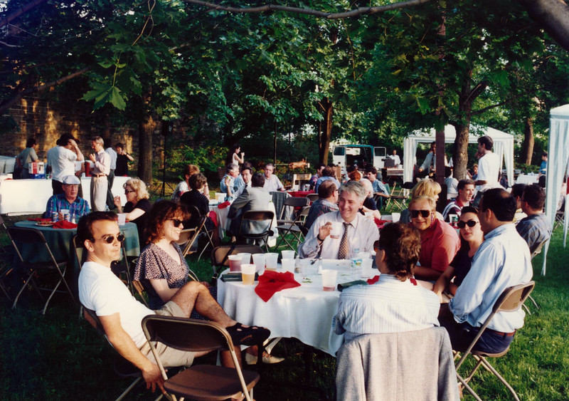 Supreme Court grounds BBQ mugging 1998 001.jpg