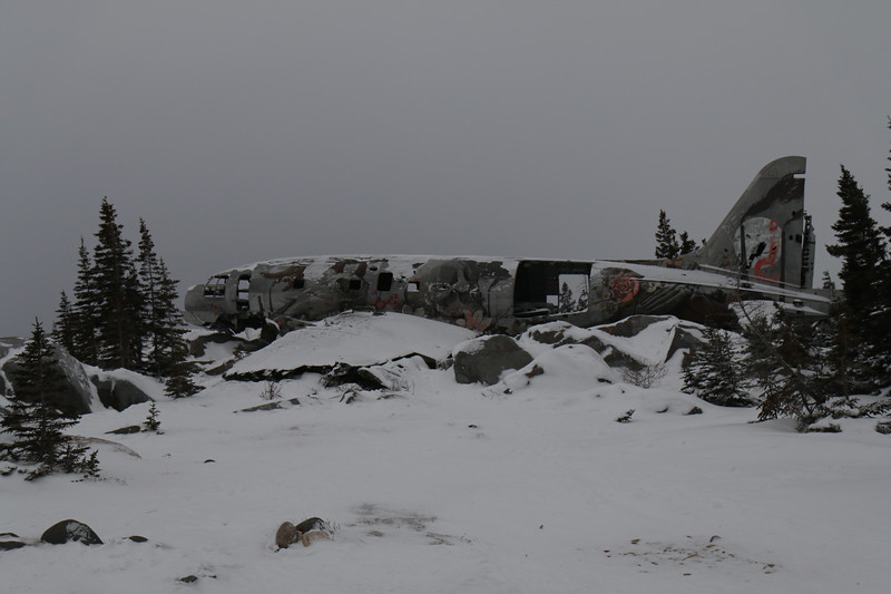 Freight plane with engine trouble landed in the rocks in 1979, no fatalities