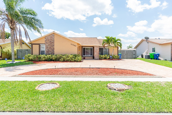 11740 NW 40th Place