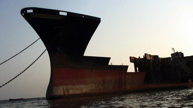 Jafrabad_Chittagong_shipbreaking_(6).jpg