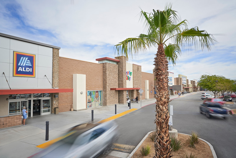 the springs shopping center palm springs 14.jpg