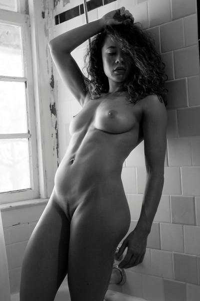 2016 07 Rustic Nude w Tara img_5039.JPG