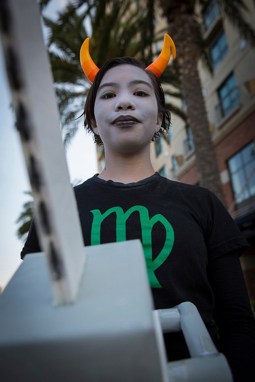 """. Cosplayer Julia Gurrola poses while dressed as a character from webcomic \""""Homestuck\"""" during the 2013 San Diego Comic-Con (SDCC) International in San Diego, California July 18, 2013. REUTERS/Fred Greaves"""