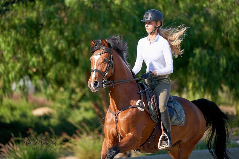 Yulia and Farina Equestrian_Dewing (32).jpg