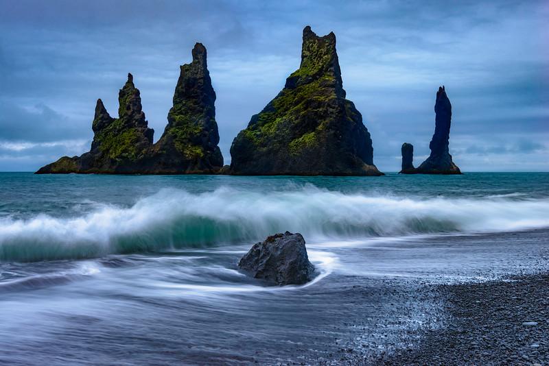 ICELAND-REYNISDRANGAR SEA STACKS-156-Edit.jpg