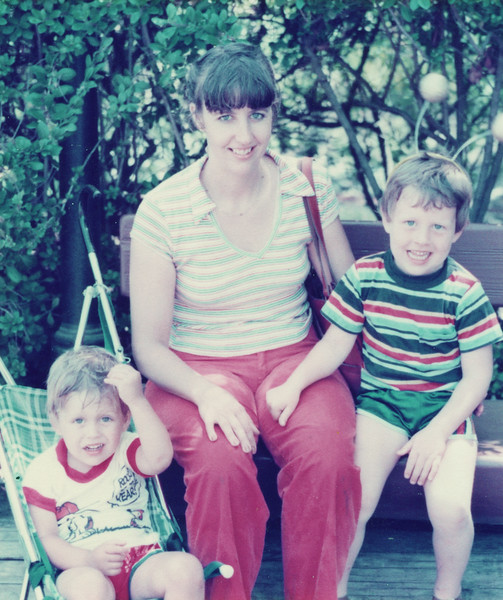 1982_GreatAmerica_Connie&Boys.jpg