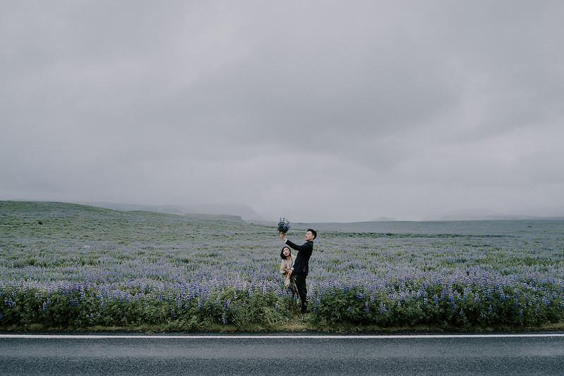 Tu-Nguyen-Destination-Wedding-Photographer-Iceland-Elopement-Fjaðrárgljúfur-16-150a-12.jpg