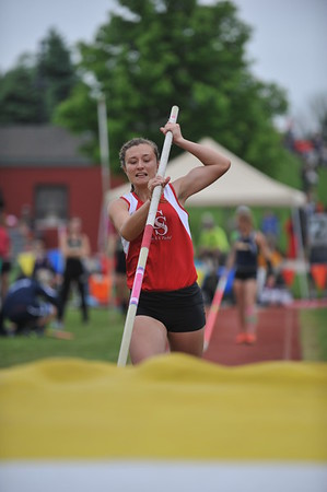 D2 Girls' Pole Vault - 2015 MHSAA LP TF Finals