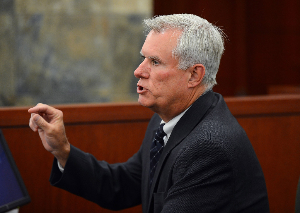 . Former Clark County Chief Deputy District Attorney and O.J. Simpson trial prosecutor Chris Owens testifies at an evidentiary hearing for O.J. Simpson in Clark County District Court on Tuesday, May 14, 2013 in Las Vegas.  The hearing is aimed at proving Simpson\'s trial lawyer, Yale Galanter, had conflicted interests and shouldn\'t have handled Simpson\'s case. Simpson is serving nine to 33 years in prison for his 2008 conviction in the armed robbery of two sports memorabilia dealers in a Las Vegas hotel room. (AP Photo/Ethan Miller, Pool)