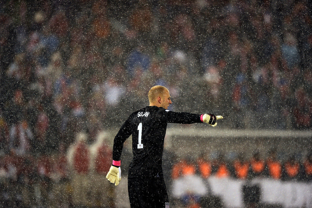 . COMMERCE CITY, CO - MARCH 22: United States goalkeeper Brad Guzan (1) motions toward his teammates during a FIFA 2014 World Cup Qualifier game against Costa Rica at Dick\'s Sporting Goods Park on March 22, 2013, in Commerce City, Colorado. (Photo by Daniel Petty/The Denver Post)