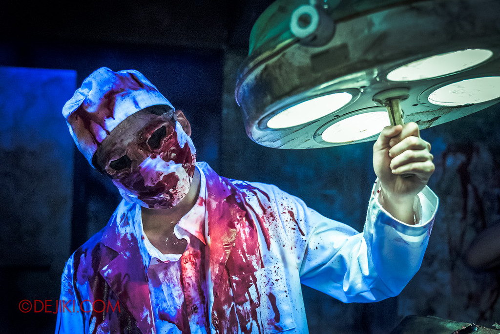 Halloween Horror Nights 6 - Old Changi Hospital / surgeon